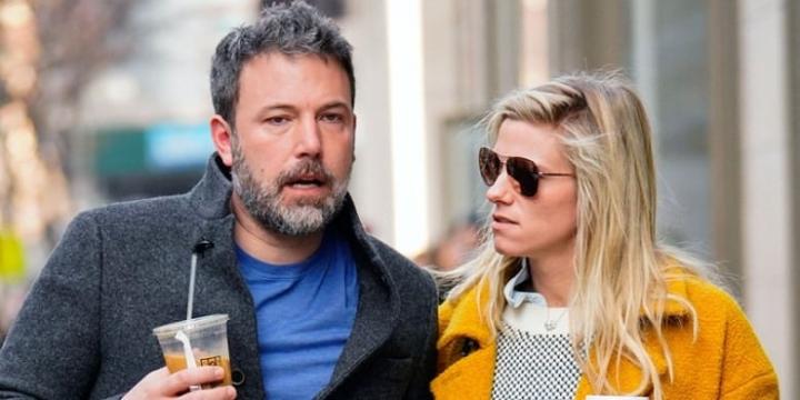 Ben Affleck and Lindsay Shookus dating