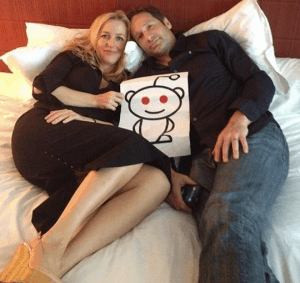 Reddit couple with a picture of the mascot